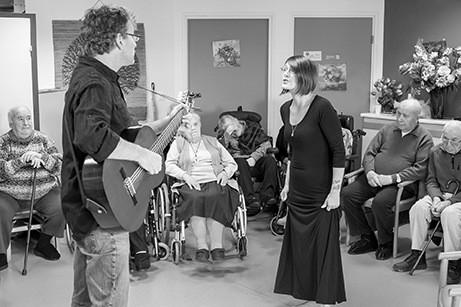 Ninie et compagnie Rencontres musicales pour les 60 ans et plus